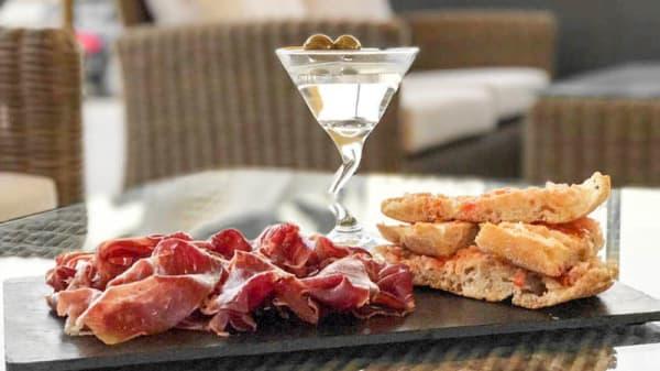 Plato - Naunet Lounge Bar, Premia De Mar
