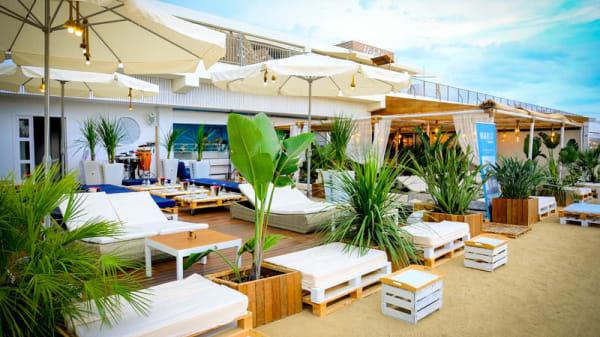 Terraza - Beach Bar by Btakora, Arenys De Mar