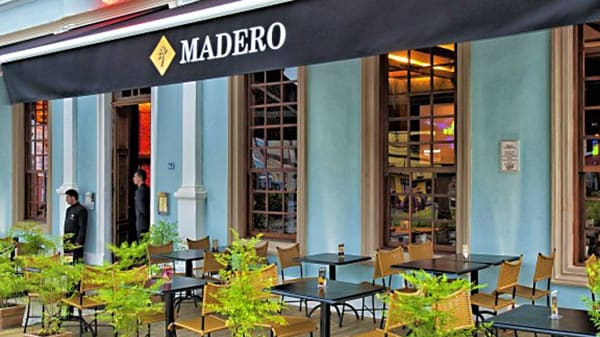 RW Fachada - Madero - Relógio, Curitiba