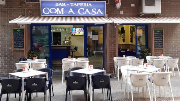 Terraza - Bar Taperia Com a Casa, l'Alfàs del Pi
