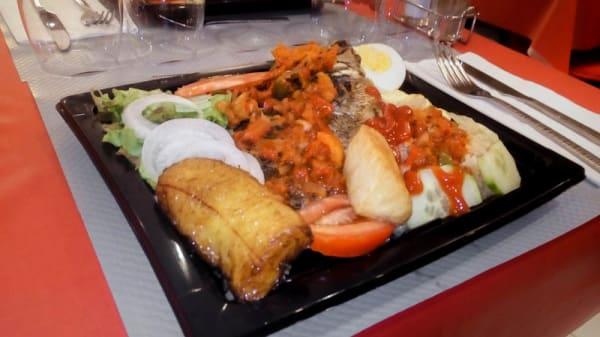 Attiéké (tchiéké) au poisson ou au poulet - Au Taboulé Gourmand, Toulon