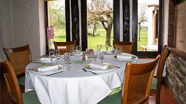 Une table dressée - Les Maziès, Revel