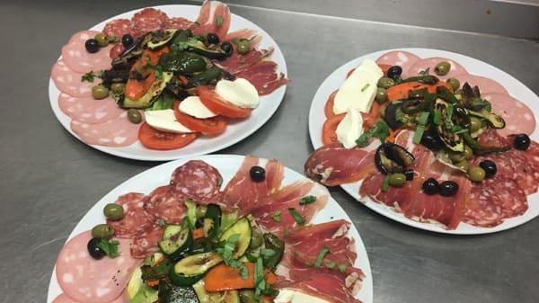 Amaretto ristorante and pizzeria, Edgware