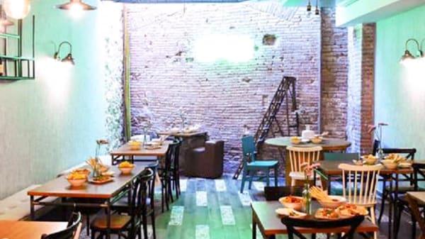 Vista del interior - Omnia Cafe-Bar, Mataró