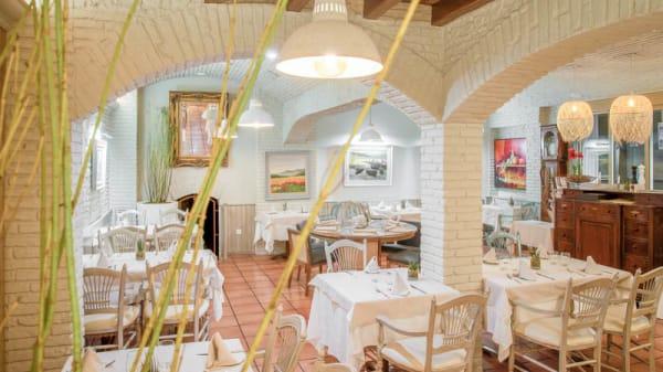 Vista sala - El Pelegrí-Hotel Pirineos, Figueres