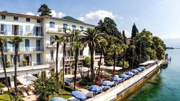 Terrazza Prima Fila bordo lago - Bellavita, Gardone Riviera