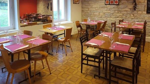 Vue de la salle - Café Restaurant du Centre, Noiron-sous-Gevrey