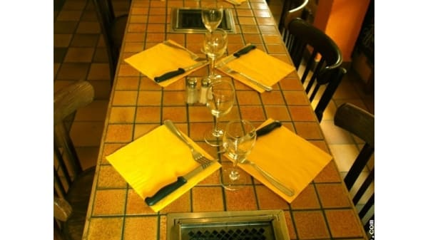 La table - Copyright Alain B. - Le Brasier, Paris