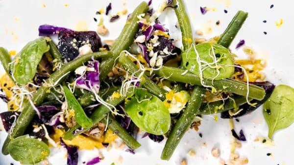 Tofu marinato agli agrumi con fagiolini croccanti - Silene, Vicenza