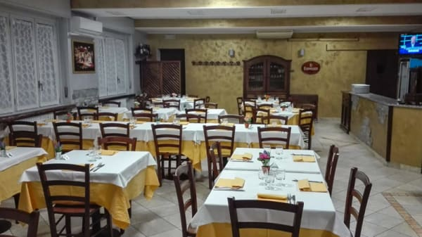 Interno - Osteria Pizzeria Perri, Albiate