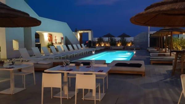 Terraza - Rest. Cattaleya Mar Beach Club, Puig