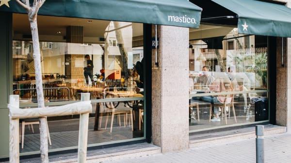 Entrada - Mastico, Barcelona