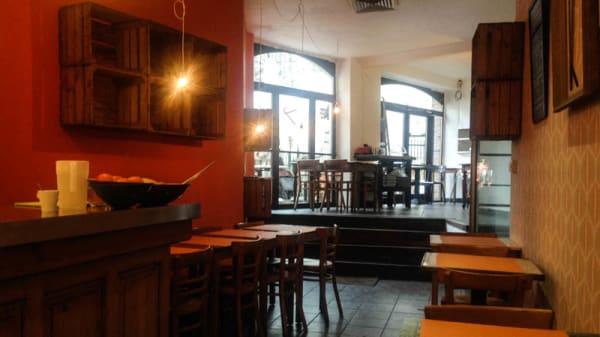 salle et bar - Café novo*, Brussels