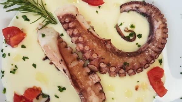 polpo con crema di patate - Da Michele, Marina di Pietrasanta