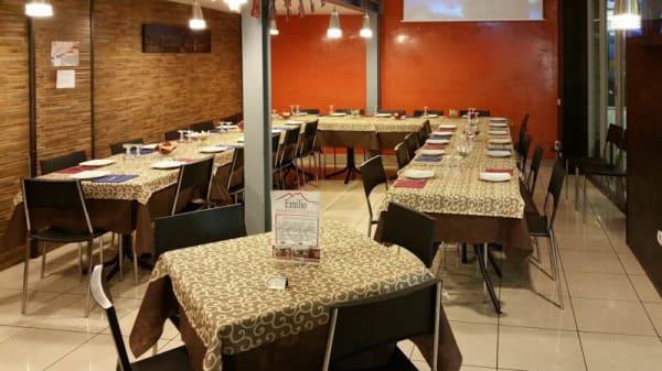 Vista sala - Emilio - Ristorante Pizzeria, Naples
