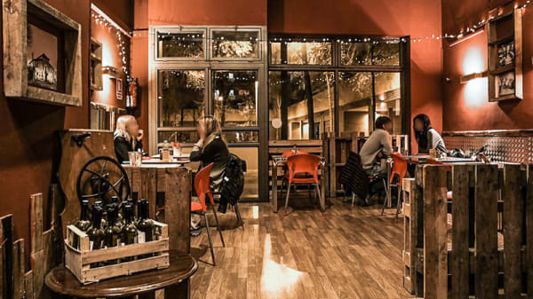 Vista interior - Rancho Burger, Food & Music, Barcelona