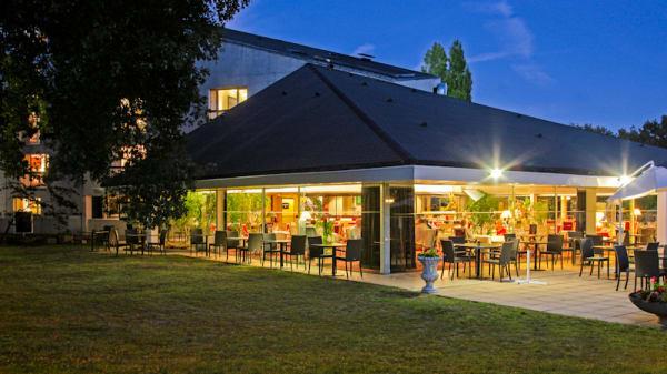 Jardin et vue extérieur - La Table du Bois - hôtel Le Bois de la Marche, Fontaine-le-Comte