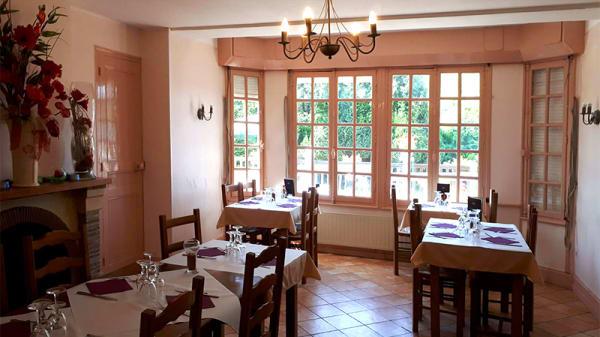Vue de la salle - L'Eau Vive, Fatouville-Grestain