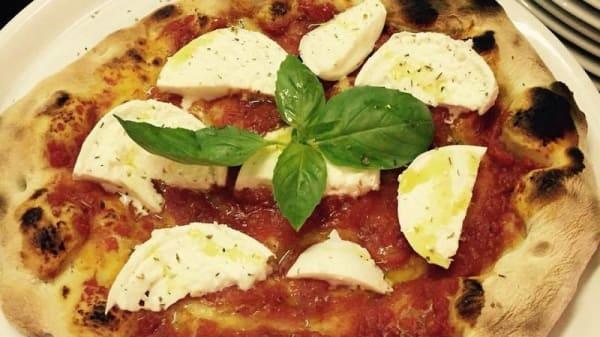 Pizza 1 - Quarto d'Ora Italiano, Pisa