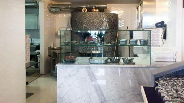 Sala del ristorante - Pizza&Motori, Naples