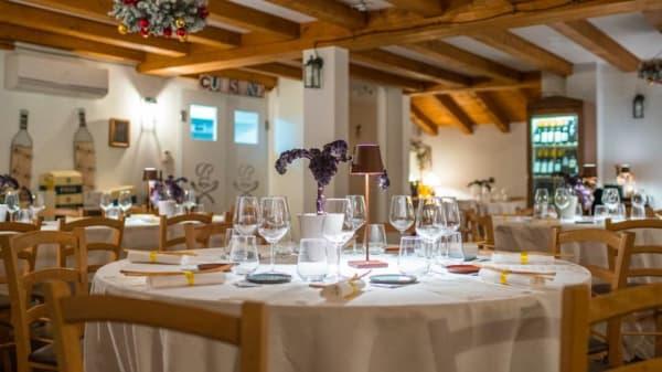 Al Petes vino e cibo in Cittavecchia, Trieste