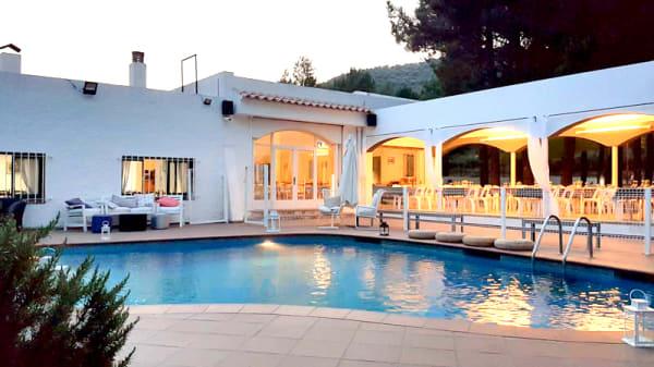 Exterior piscina - Miralles, Llança