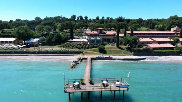 Pontile - Dolcevita Beach Restaurant & Bar, Campeggio del Vò