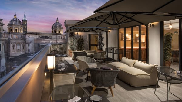 MùN Rooftop Cocktail Bar, Roma