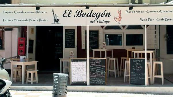 Fachada - El Bodegón del Vintage, Benalmadena