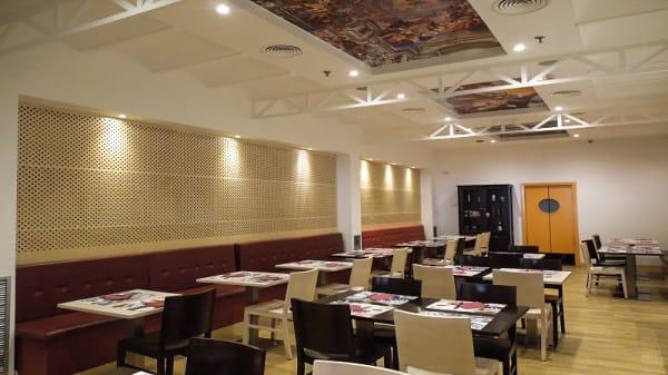 Sala del restaurante - Vía Roma, Churra