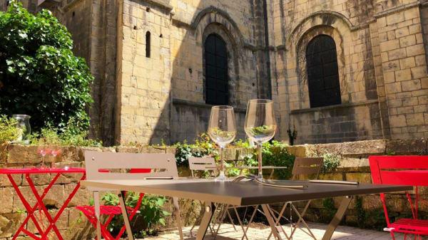 Un lieu unique et romantique - Terres de raisin - cave à vin, Caen