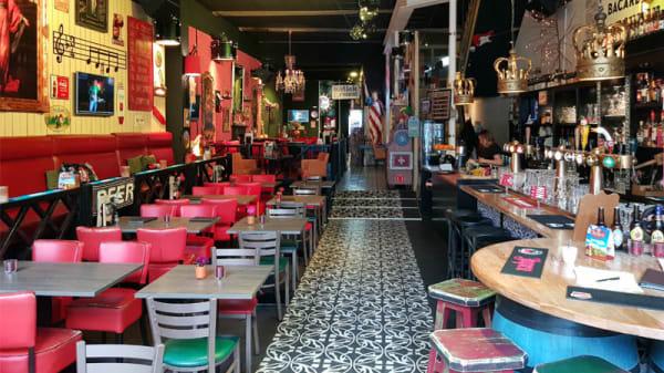 Restaurant - Muziek & Eetcafe Woodies Zwolle, Zwolle