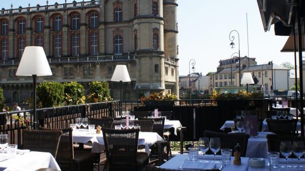 Zoom sur la terrasse - La Brasserie du Théâtre, Saint-Germain-en-Laye