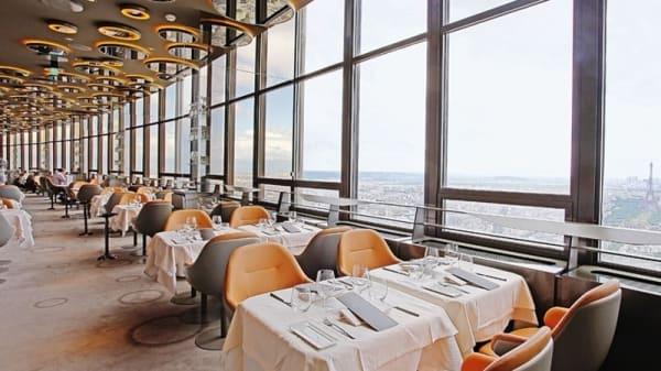 Aperçu du restaurant et sa vue - Le Ciel de Paris, Paris