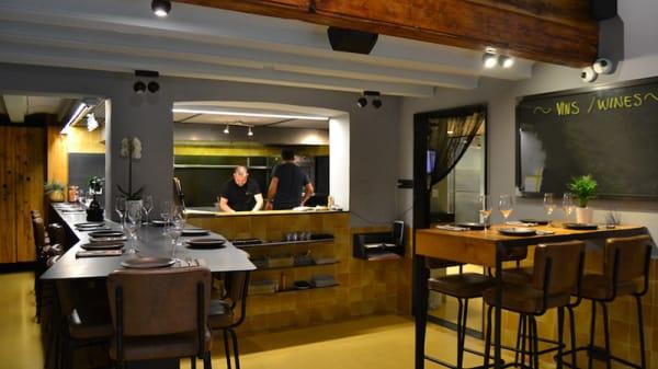 Vista sala y cocina abierta - Capet, Barcelona