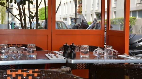 terrasse - Les Artistes, Paris