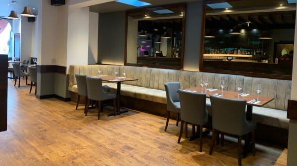 Lounge Bar & Restaurant, Hull