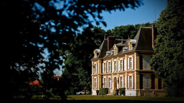 Façade - Château de l'Hermitage, Ennery