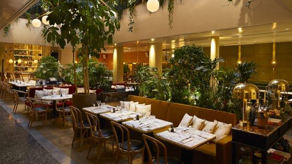 la salle - Alcazar Restaurant, Paris