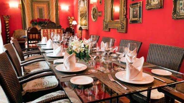 Salon Embrujo de Granada - Casa Palacio Pilar del Toro, Granada
