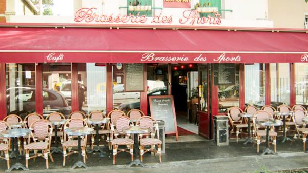 Entrée et terrasse - Brasserie Des Sports, Villejuif