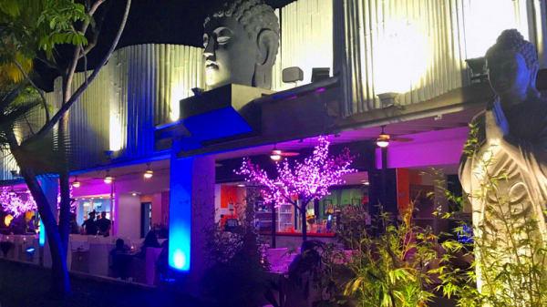 exterior noche - Delhi Delights - C.C. Vulcano, Arona