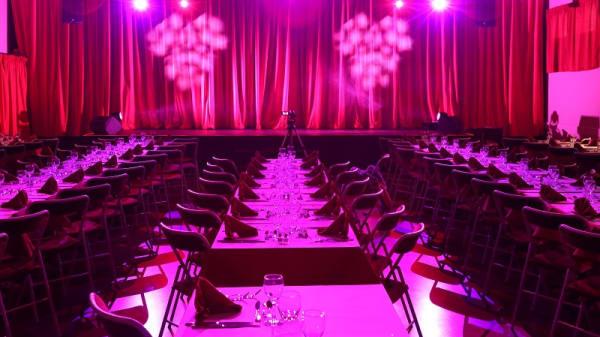 salle - Le Lyon Rouge, Brignais