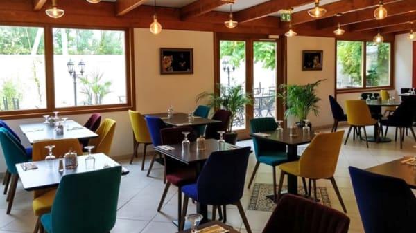 Salle du restaurant - Le Palais Royal, Pontoise