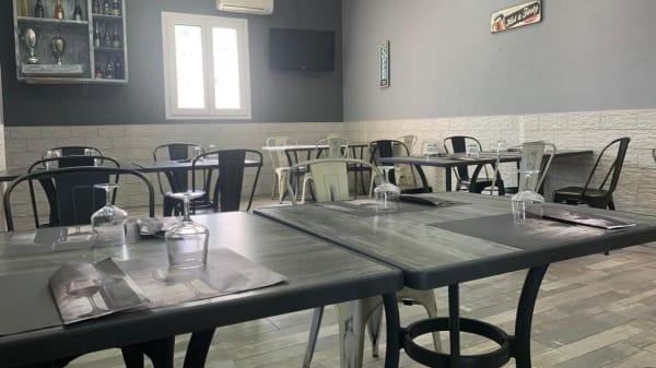 Delizie dal Vesuvio, Fiumicino