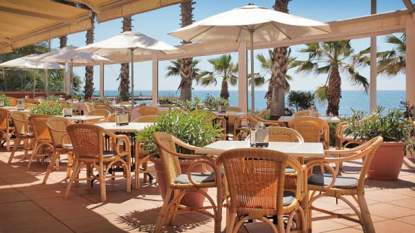 terraza con vista al mar - Vento - Hotel Playa Golf & Spa, Sitges