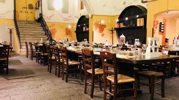 Vista sala - Cantina di Irene, Collebeato