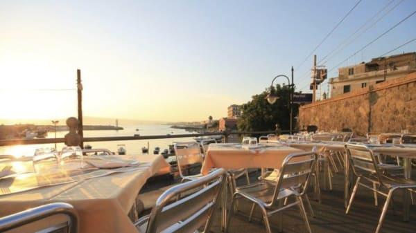 tavoli fuori - Bayard, Portici