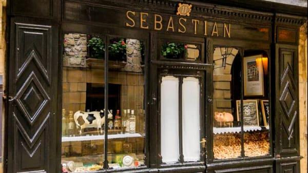 Entrada - Sebastián, Hondarribia