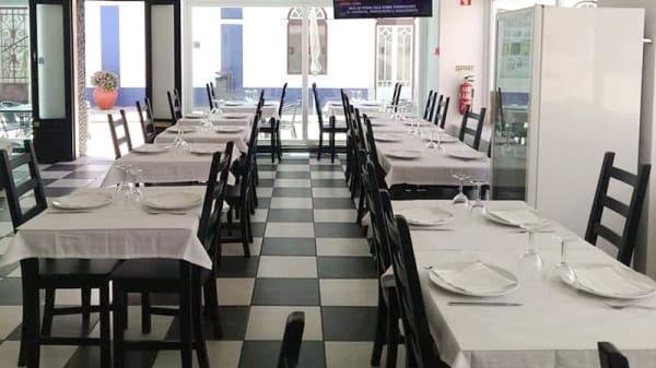 vista da sala - Ideal Restaurante, Ericeira